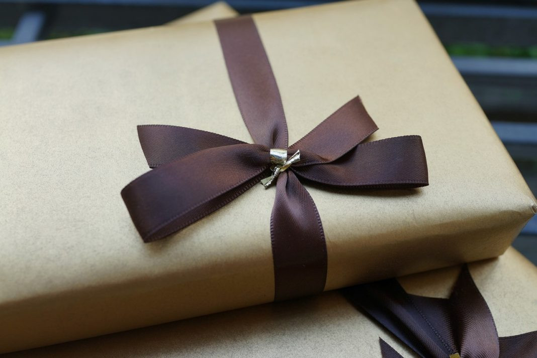 2Nd Anniversary Gift Ideas Her  Top 15 Timeless 2nd Anniversary Gift Ideas That Will Make