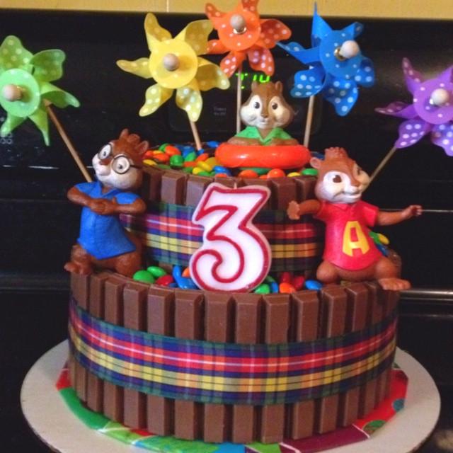 Alvin And The Chipmunks Birthday Cake  Kit Kat Cake with alvin and the chip munks