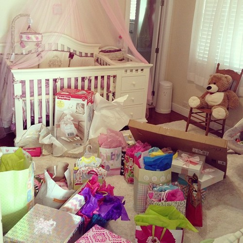Baby Shower Gift Ideas For Mom And Dad  Baby Shower Gifts for Mom and Dad Cool Baby Shower Ideas