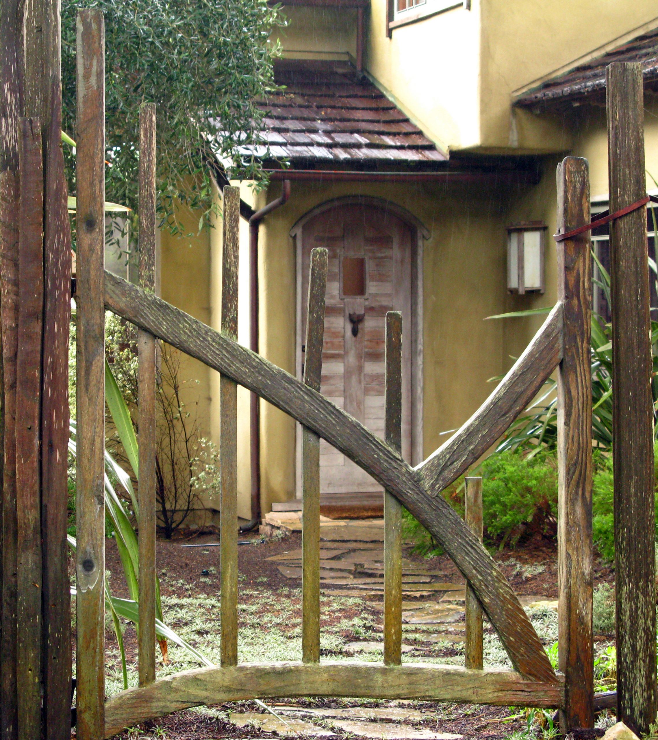 Backyard Fence Door  PDF How to build a backyard fence gate DIY Free Plans