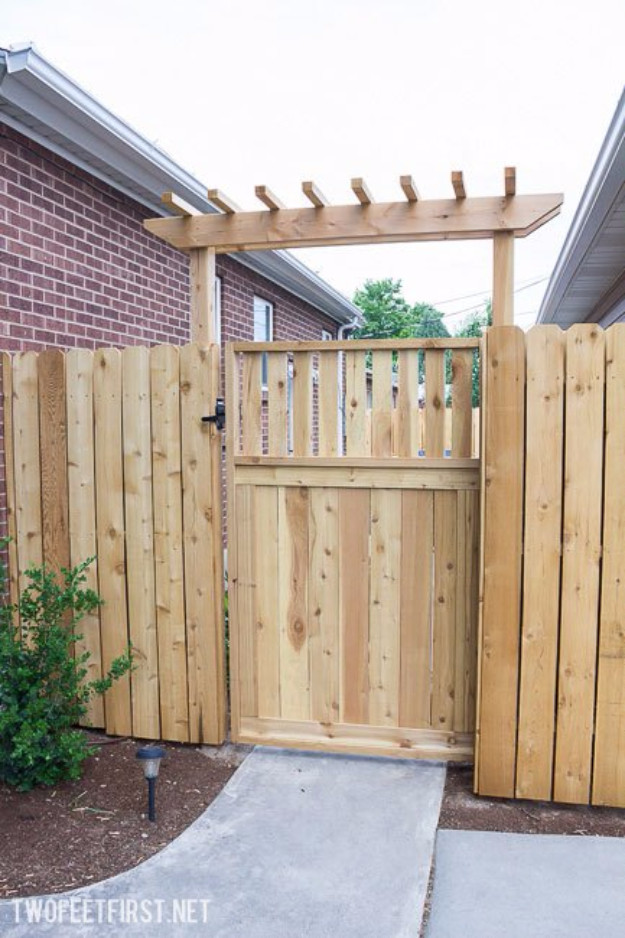 Backyard Fence Door  36 DIY Fences and Gates To Showcase Your Yard