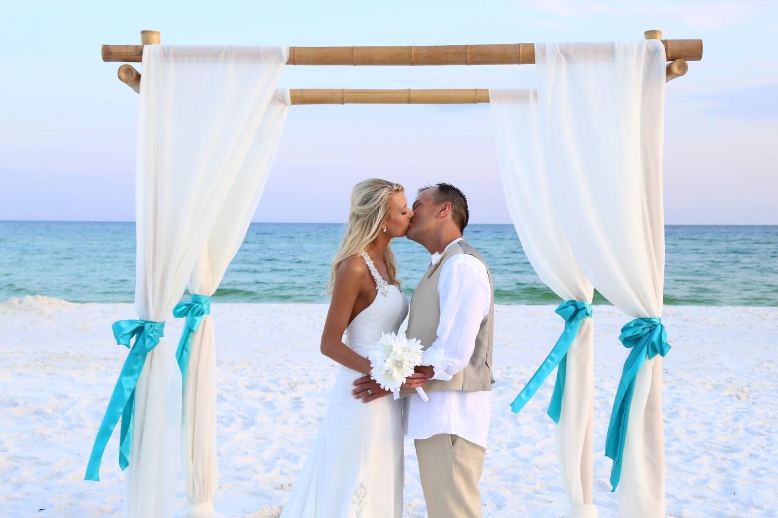 Beach Weddings Florida  Sunshine Wedding pany Destin Beach Weddings Destin