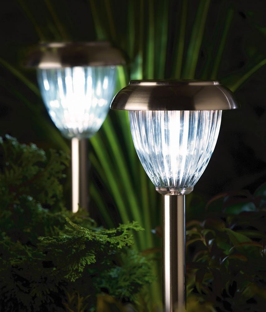 Best Solar Landscape Lights  Best Solar Lights for Garden Ideas UK