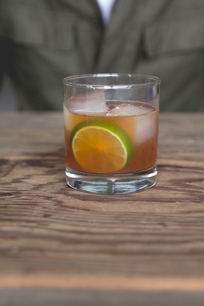Bourbon Drinks For Winter  15 Tasty Cocktails To Warm Up Your Winter Wedding