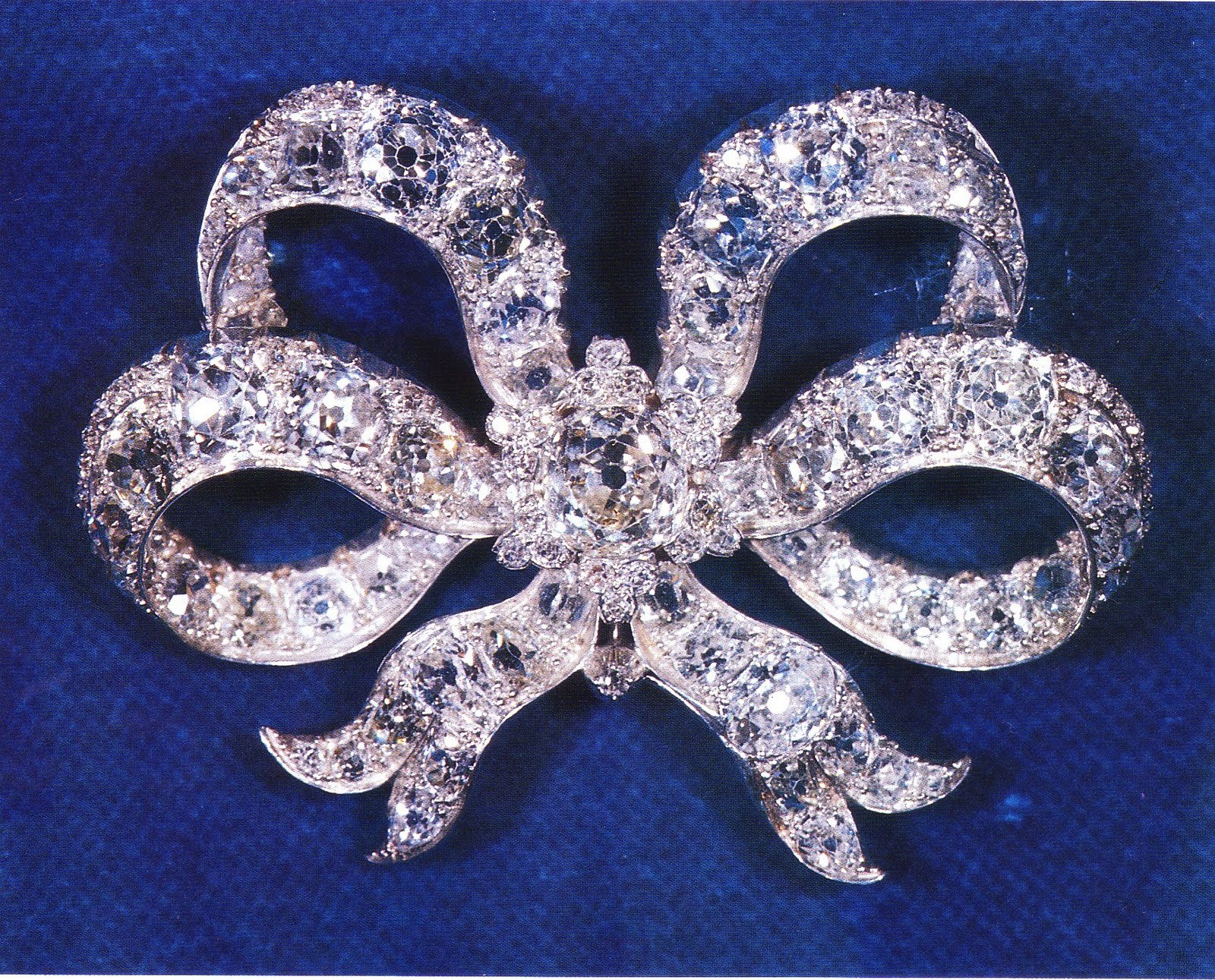 Bow Brooches  Gracie Jewellery Countdown to the Royal Wedding Diamond
