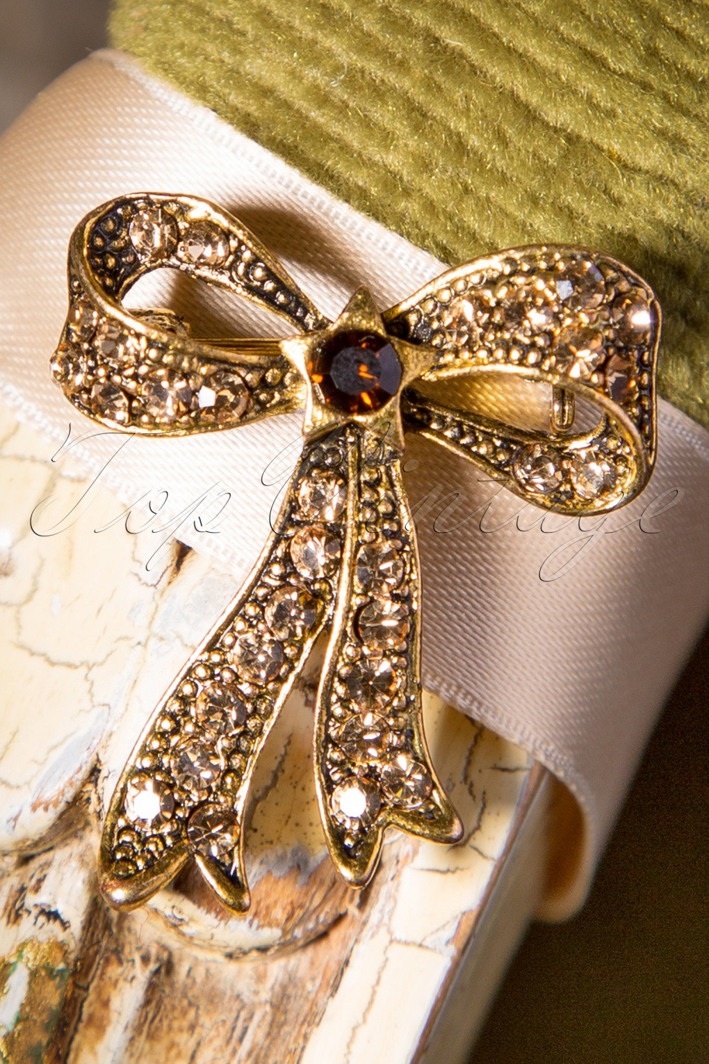 Bow Brooches  50s Sparkles My Bow Brooch in Gold