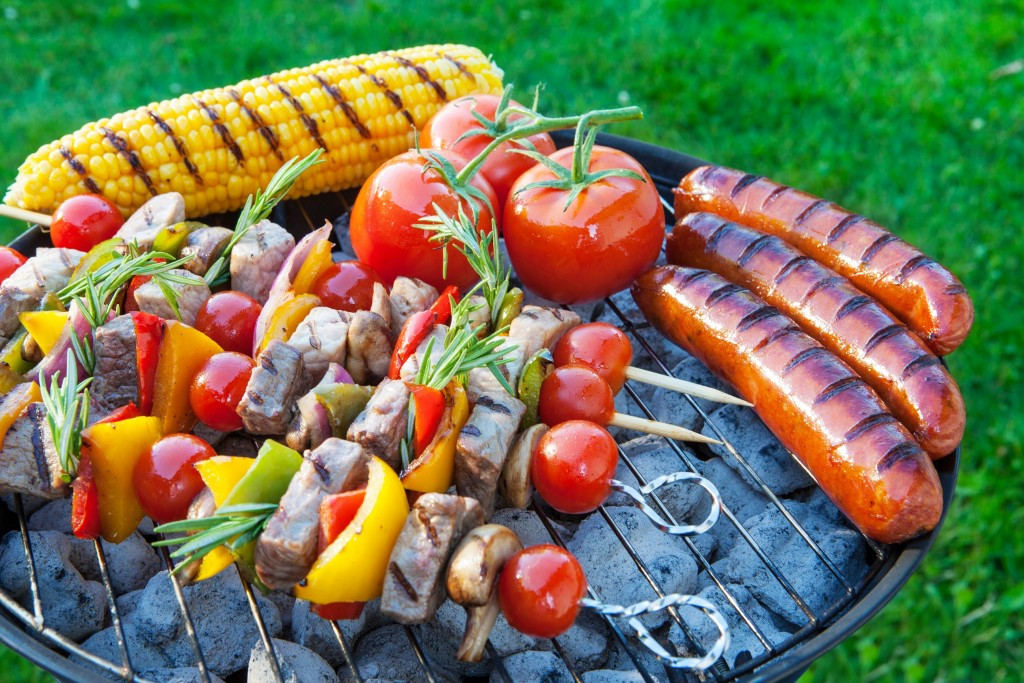 Bubba'S Backyard Bbq  4 tips to surviving the family BBQ Saving Dinner