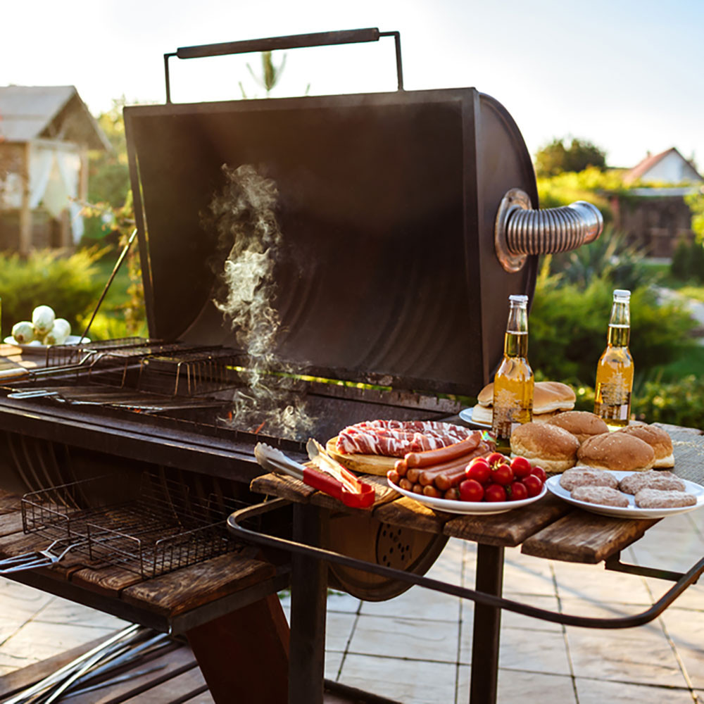 Bubba'S Backyard Bbq  12 Tips for Planning the Ultimate Backyard Barbecue
