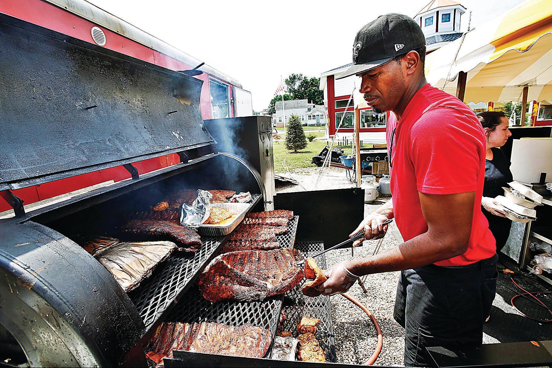 Bubba'S Backyard Bbq  Backyard BBQ Smokin good eats at the Berkshire Carousel