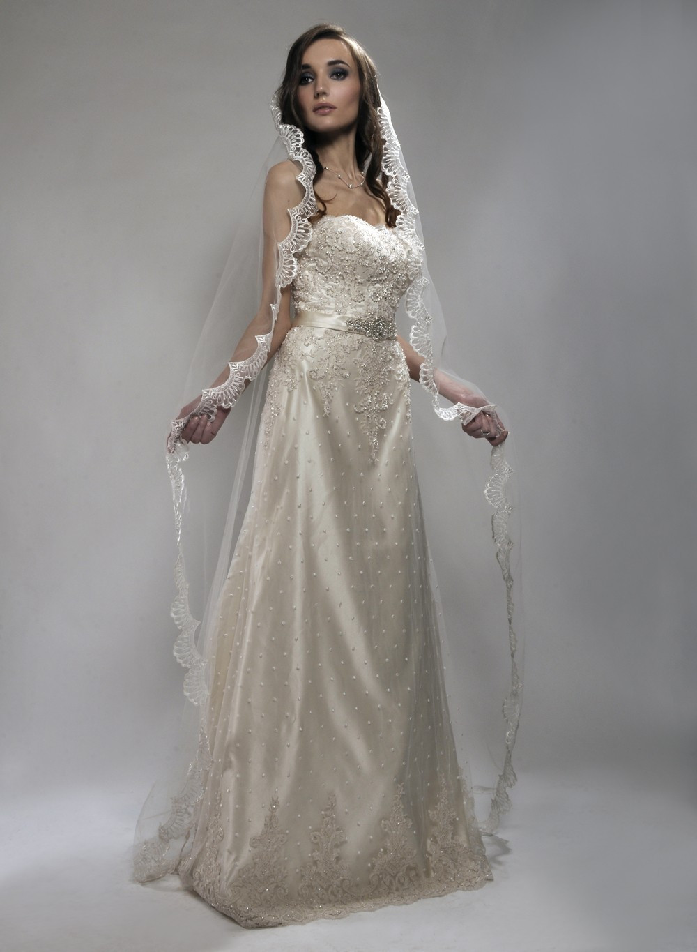 Cathedral Length Wedding Veil  Long bridal veils from fingertip veils to dramatic