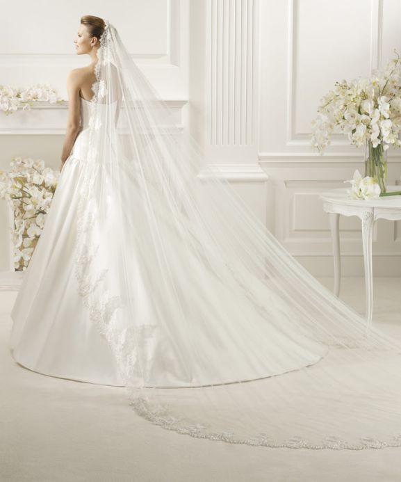 Cathedral Length Wedding Veil  Beautiful Cathedral Length Lace Wedding Veils – Sang Maestro