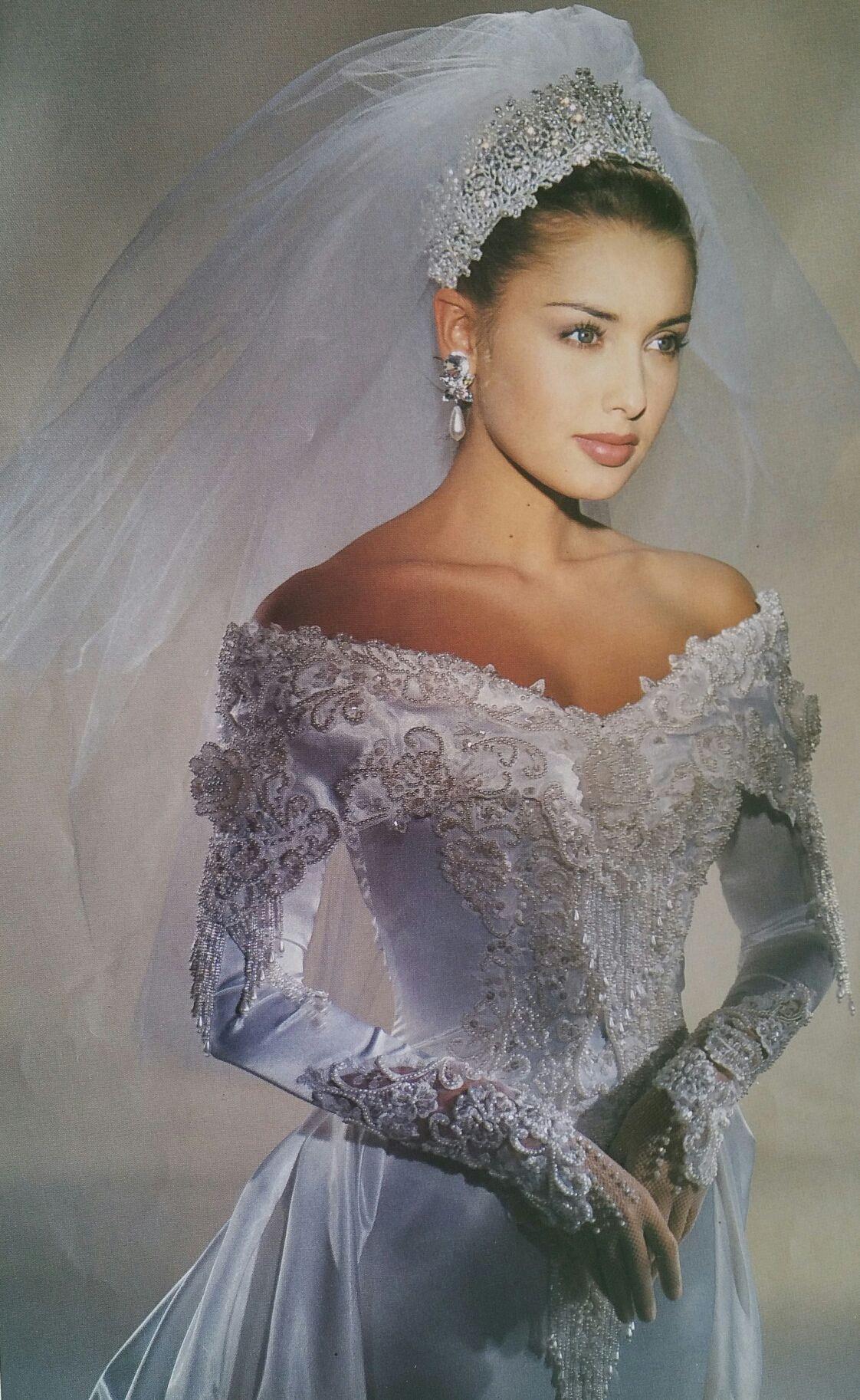 Demetrios Wedding Veils  Demetrios 1995 close bodice view With images
