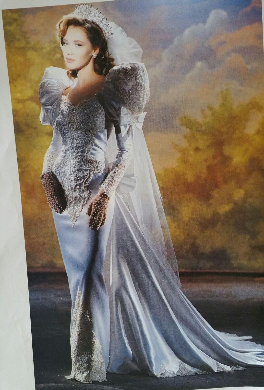 Demetrios Wedding Veils  Demetrios 1992 Demetrios 90 s collections
