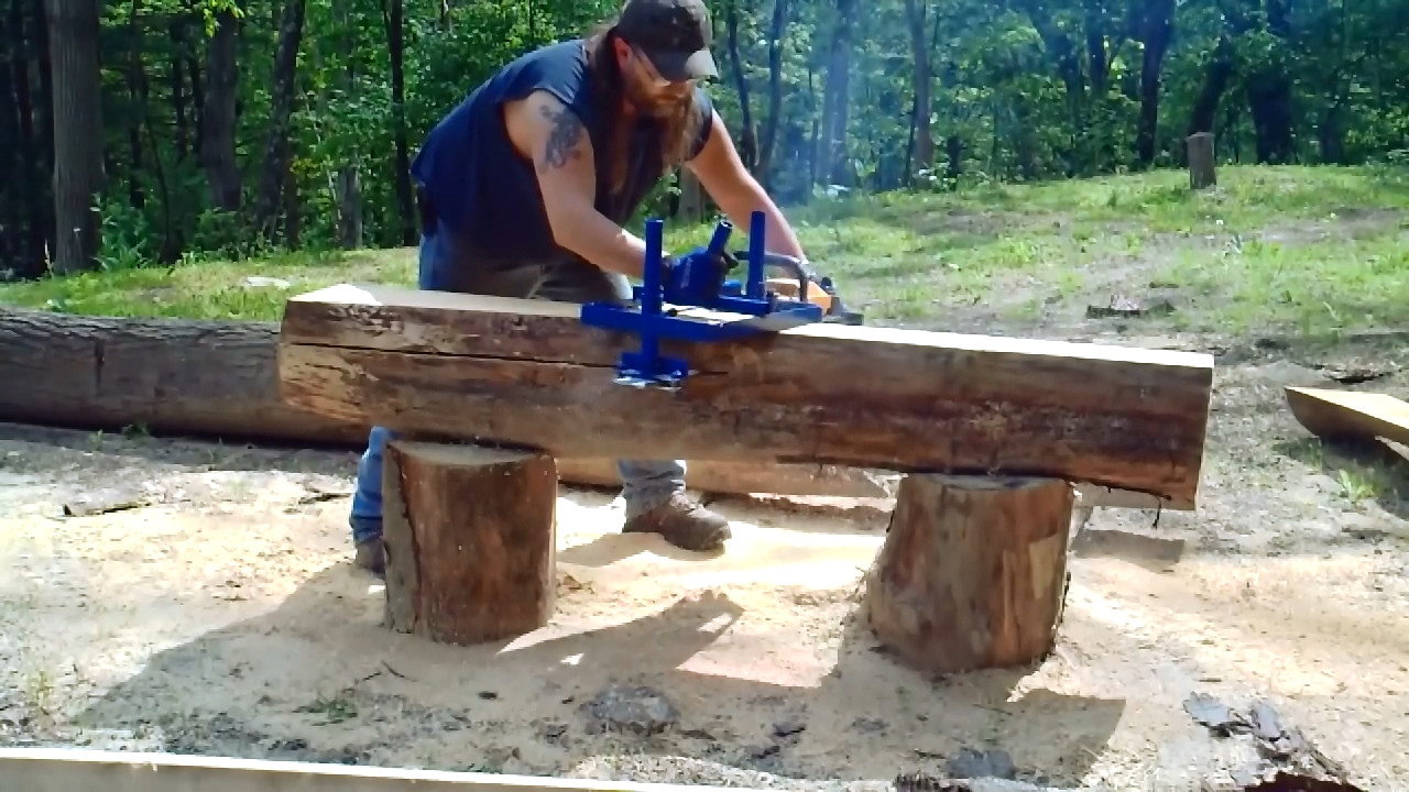 DIY Chainsaw Mill Plans  Cool DIY Video How to build your own Alaskan Style