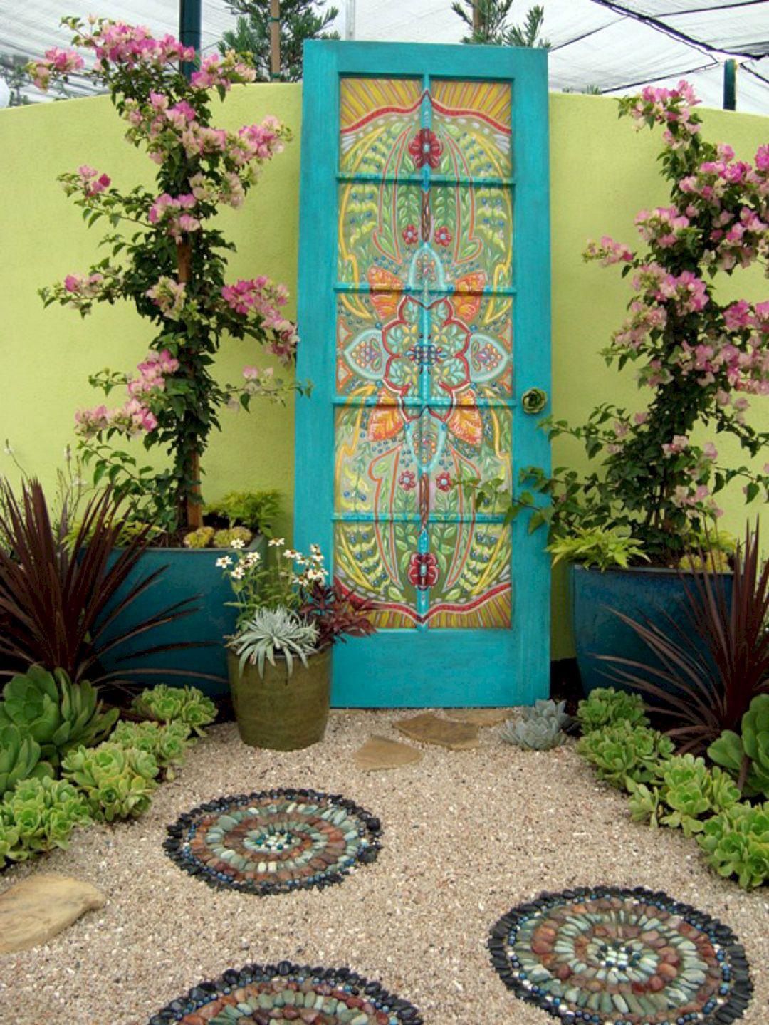 DIY Outdoor Art  Awesome Vintage Garden Decor Ideas – DECOREDO