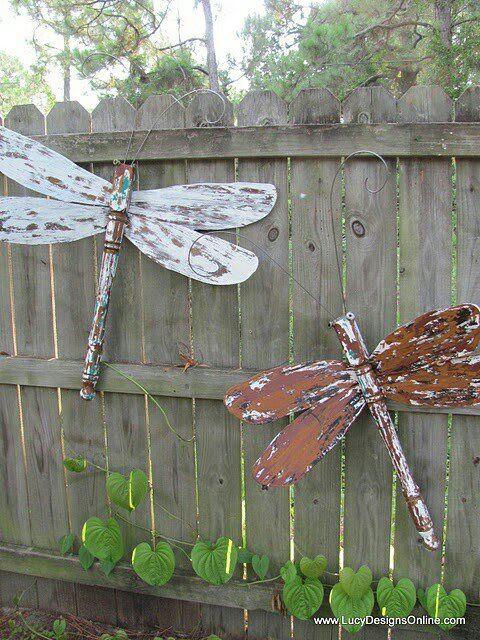 DIY Outdoor Art  DIY Garden Art Ideas