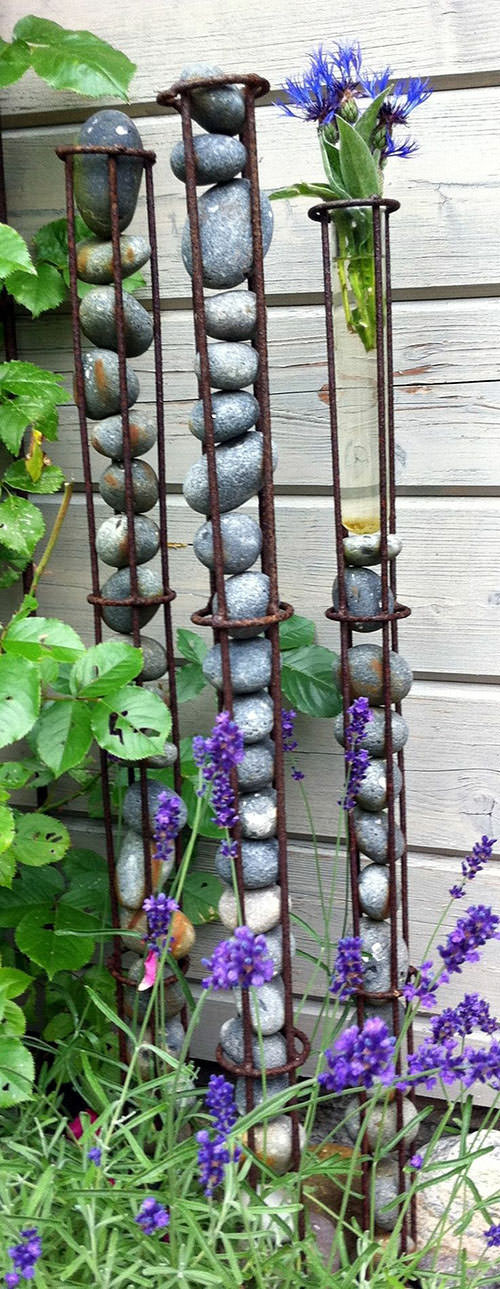 DIY Outdoor Art  DIY Garden Projects with Rocks