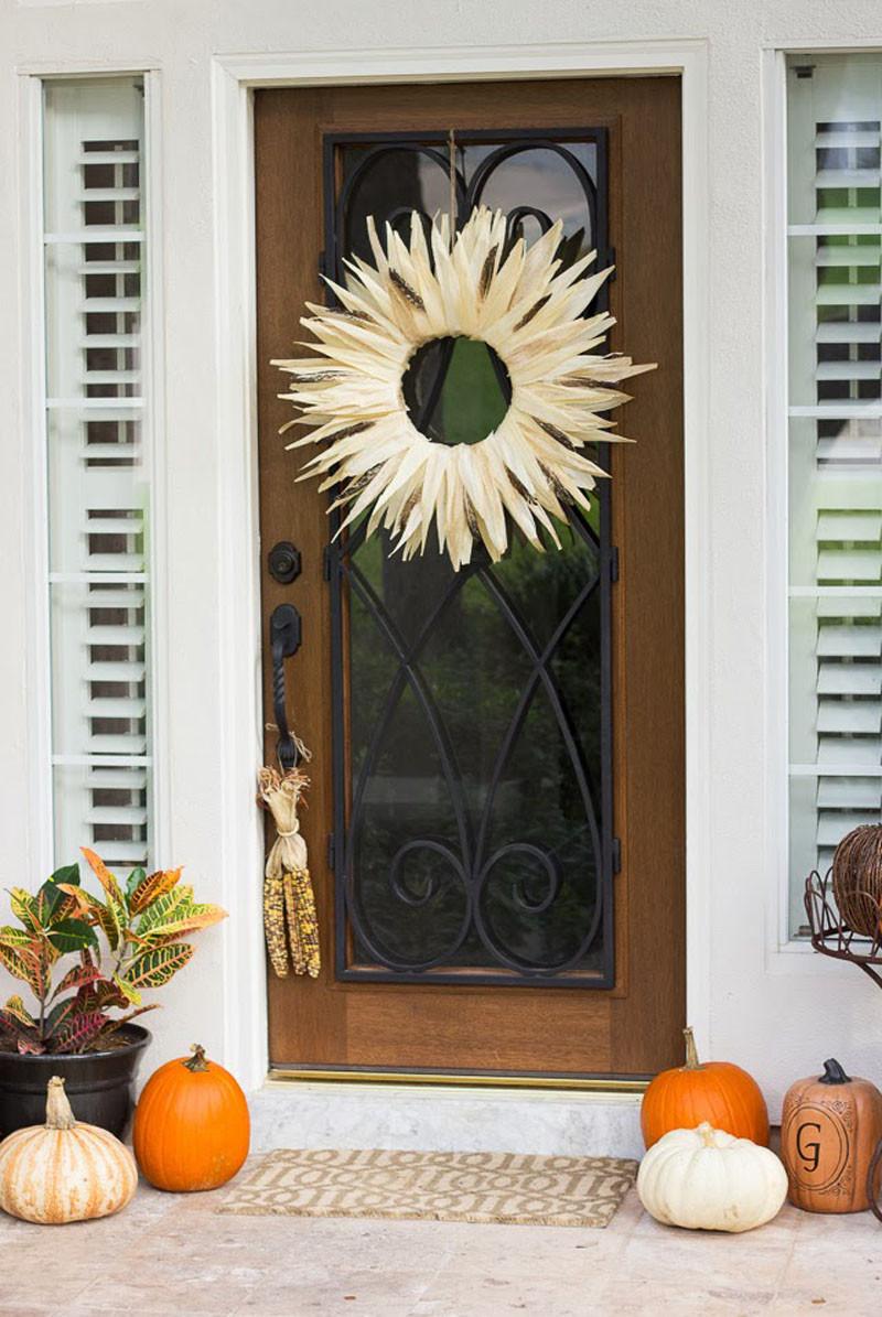 DIY Thanksgiving Decor Pinterest  19 Simple DIY Thanksgiving Decorations