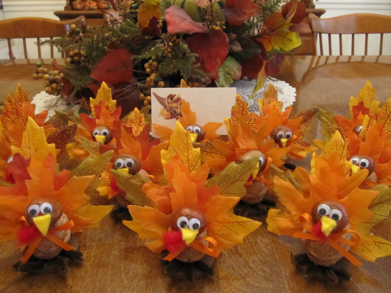 DIY Thanksgiving Decor Pinterest  Thanksgiving Table Ideas That Are Fun For The Whole Family