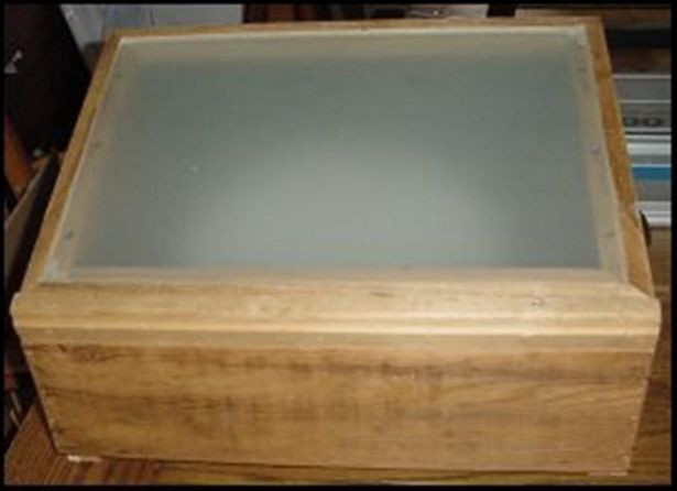 DIY Tracing Light Box  28 best HOMEMADE LIGHT BOXES images on Pinterest