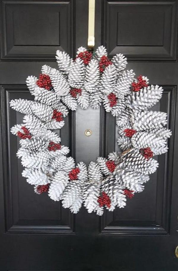 DIY Winter Decor  30 Creative DIY Wreath Ideas and Tutorials