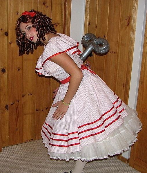 Easy DIY Adult Costumes  18 EASY LAST MINUTE HALLOWEEN COSTUME IDEAS FOR THE LAZY