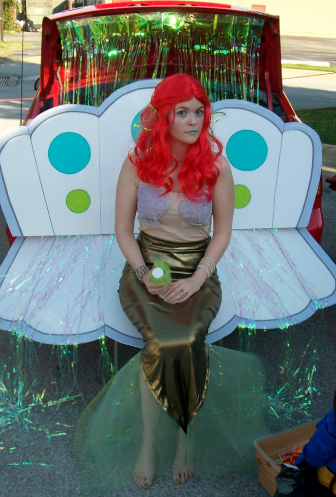 Easy DIY Adult Costumes  18 easy DIY adult costumes C R A F T