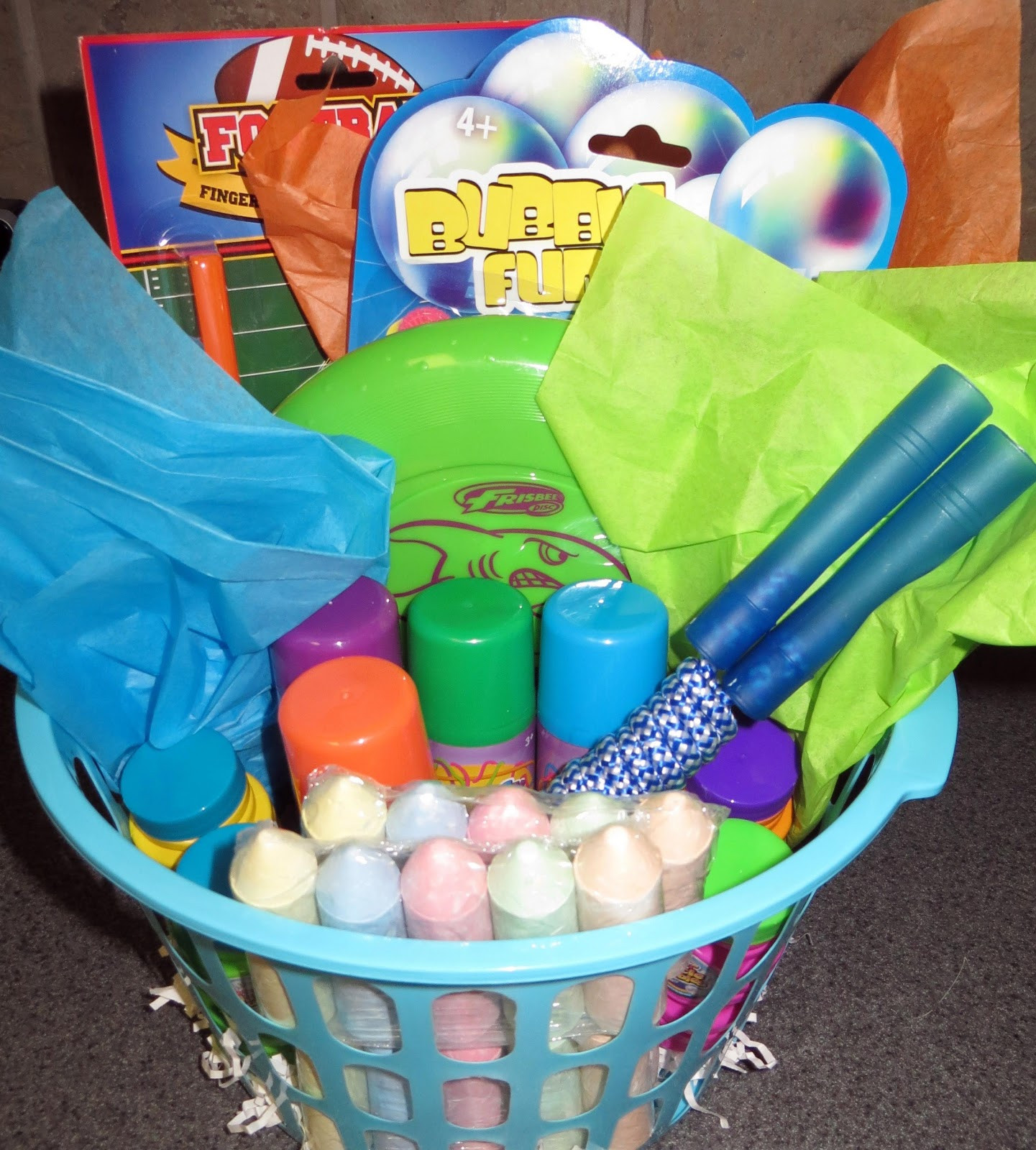 Fun Gift Ideas For Kids  Room Mom Extraordinaire Summer Fun Basket for Kids