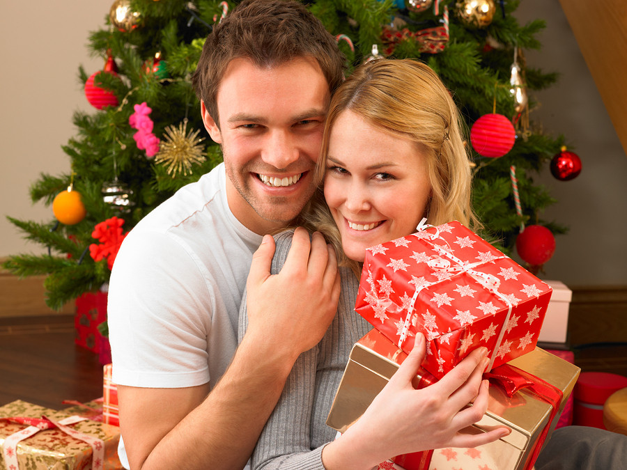 Gift Ideas For Young Couple  Young couple with ts