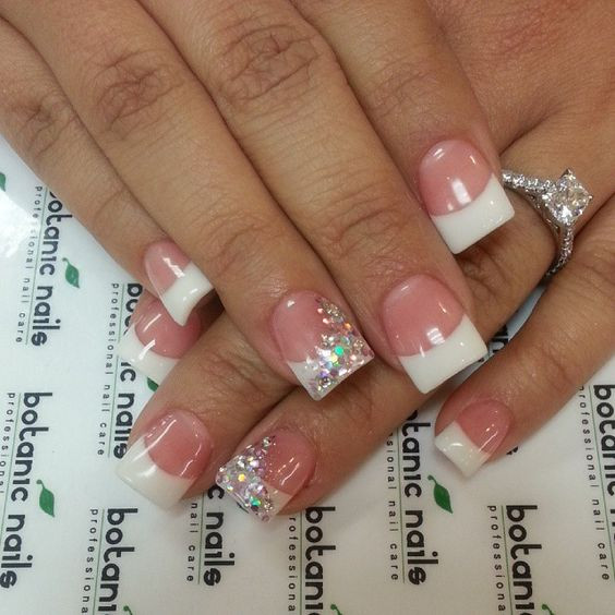 Glitter Nail Designs For Short Nails  5 French Tip Nail Designs for Short Nails