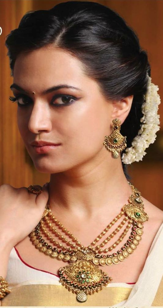 Hairstyles For Indian Brides  Latest Indian Bridal Wedding Hairstyles Trends 2018 2019