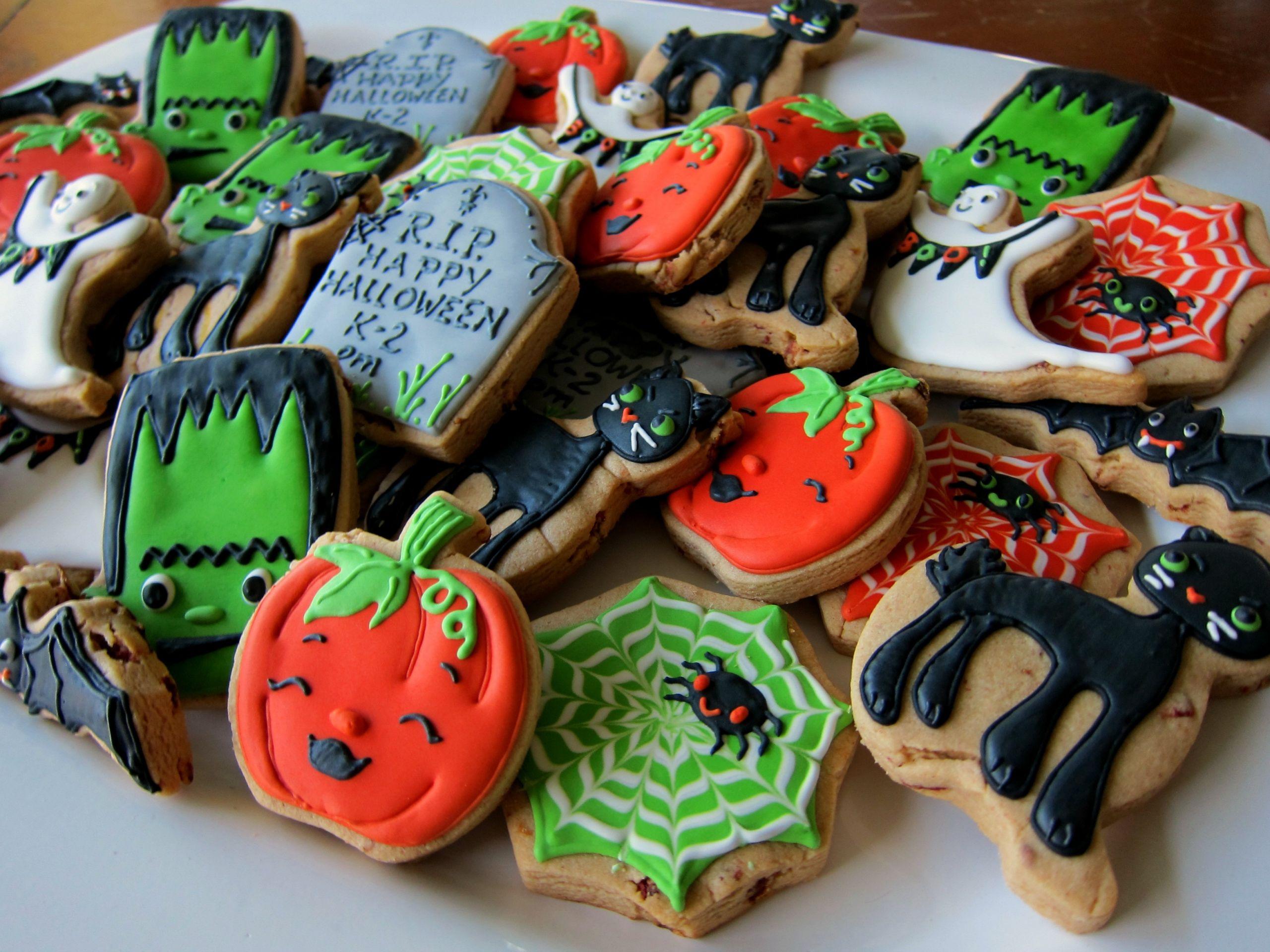 Halloween Cookies Pictures  Cute Halloween Sugar Cookies s and