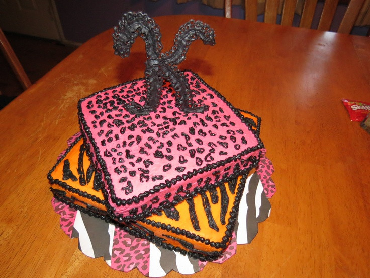 Halloween Party Ideas For 10 Year Olds  10 year old girls birthday cake