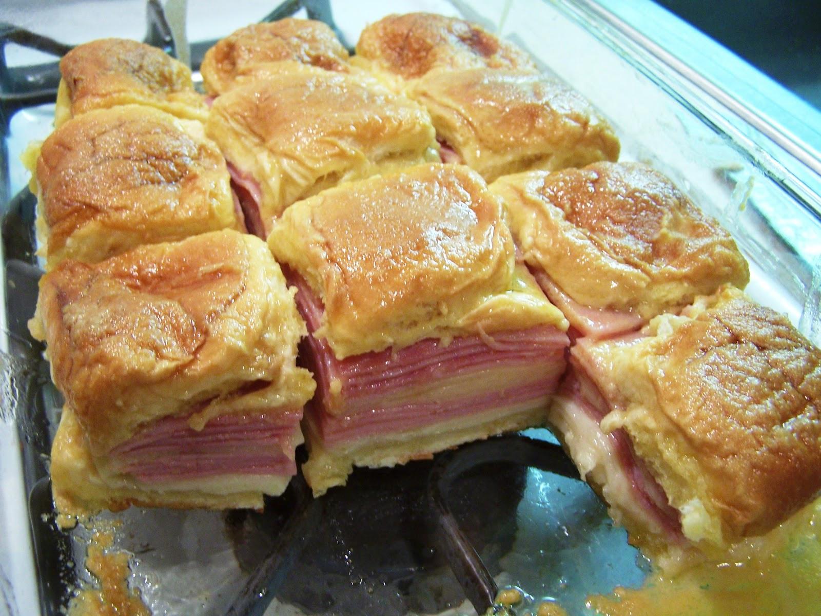 Hawaiian Bread Ham Sandwiches  Cooking What I Pin Hawaiian Baked Ham and Swiss Sandwiches