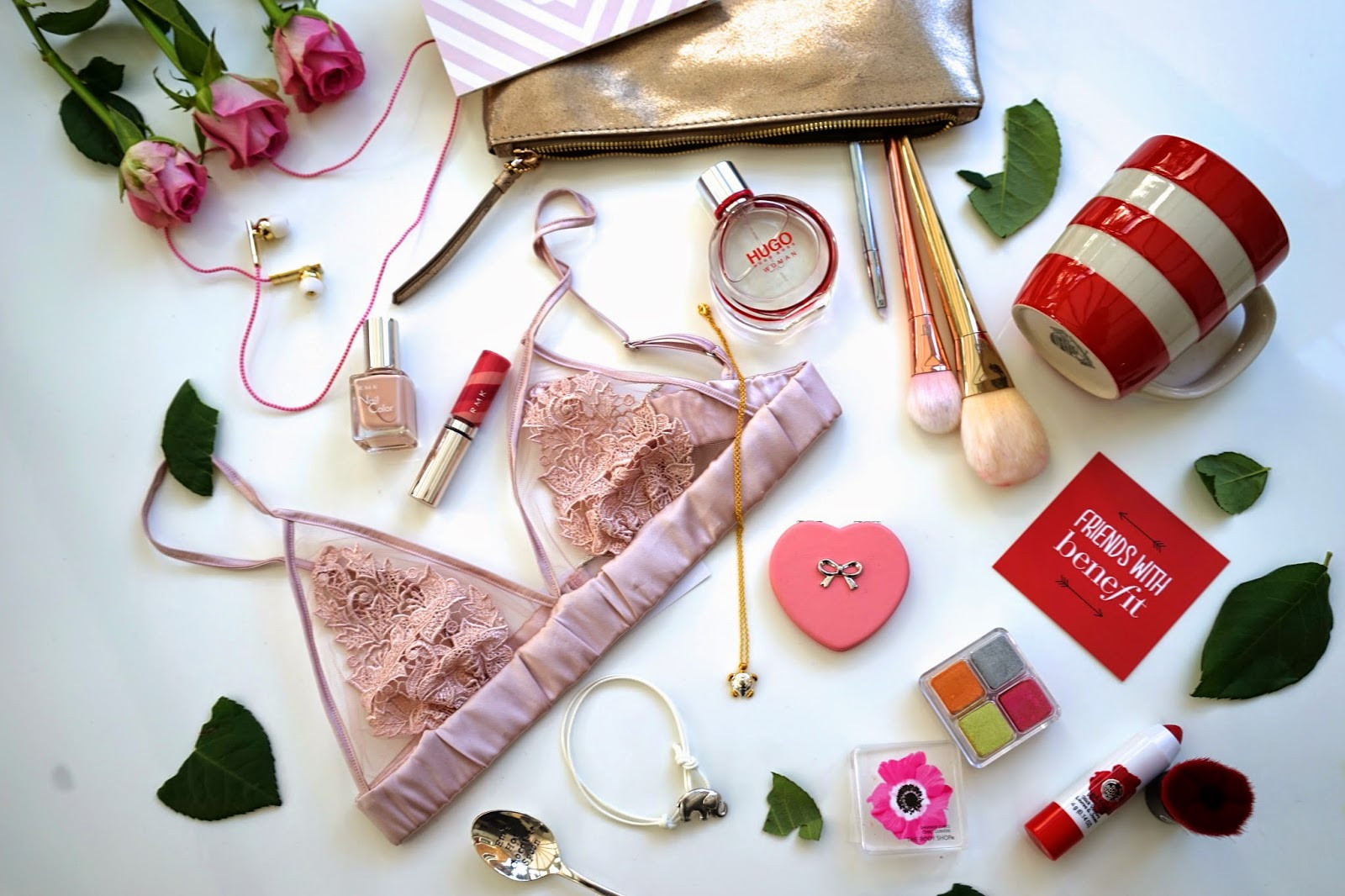 Ideas For Valentine Gift  Emtalks Valentines Gift Ideas For Him & Her