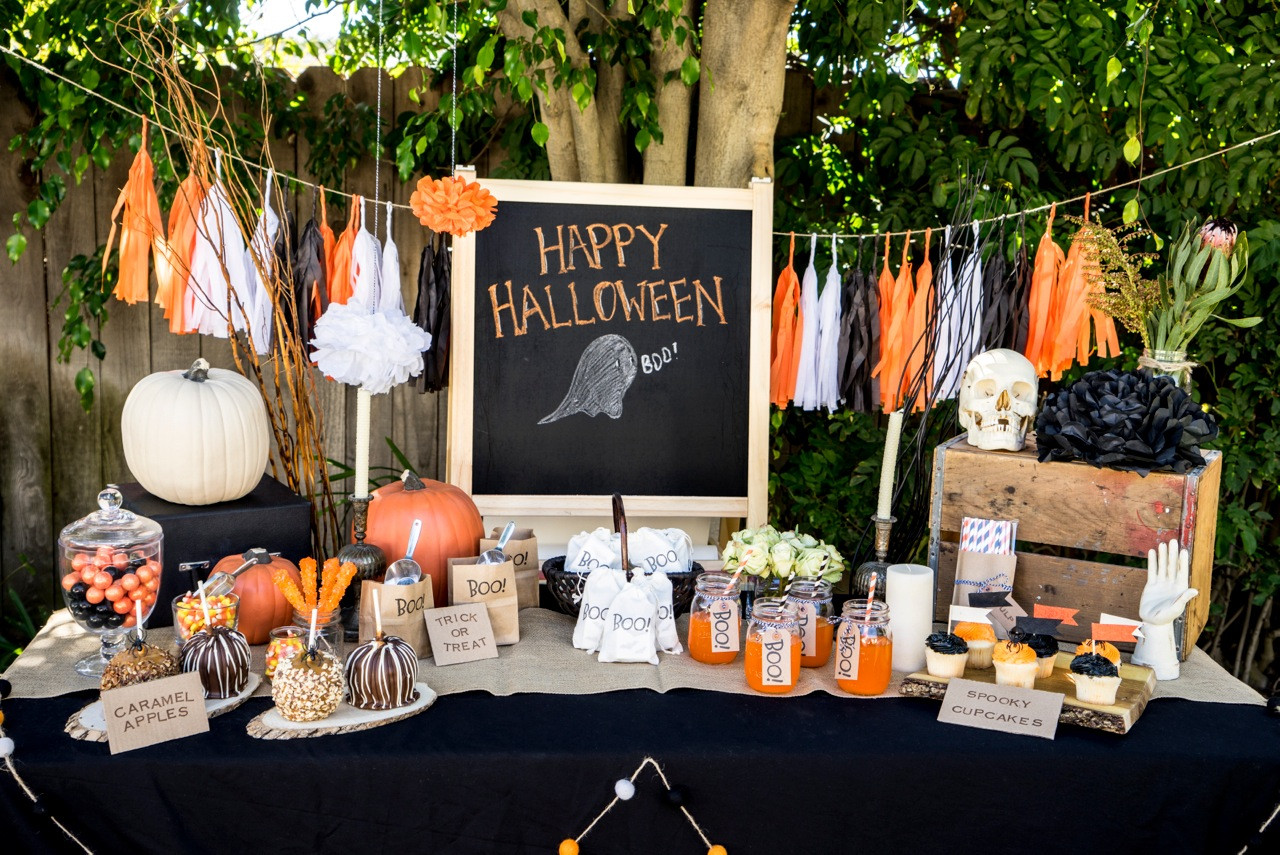 Ideas Halloween Party  Planning the Perfect Halloween Party With Kids