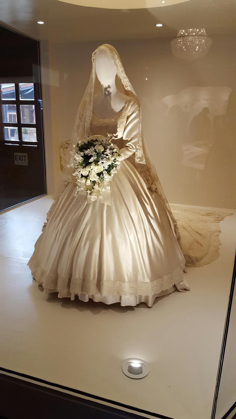 Jackie Kennedy Wedding Veil  Lee Family veil worn by Jacqueline Bouvier when she