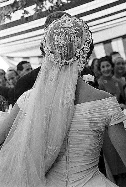 Jackie Kennedy Wedding Veil  Jacqueline Bouiver Kennedy's Wedding veil Back In depth