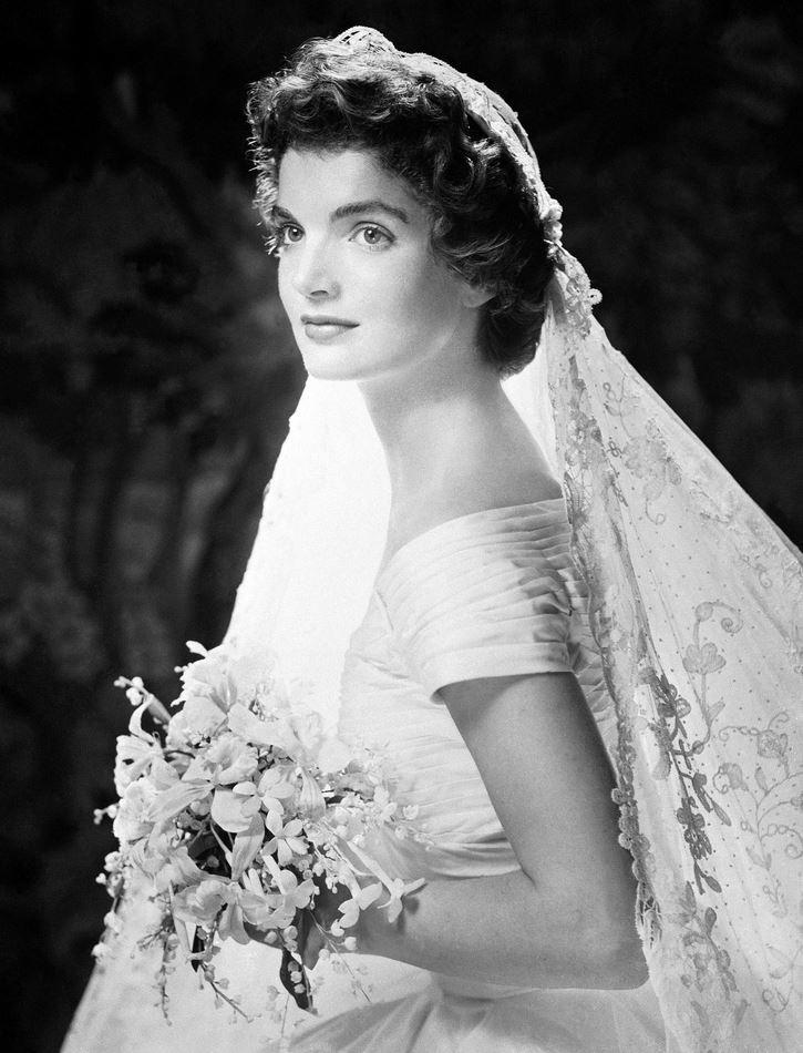 Jackie Kennedy Wedding Veil  Jacqueline Bouvier Kennedy s Wedding Dress and Veil