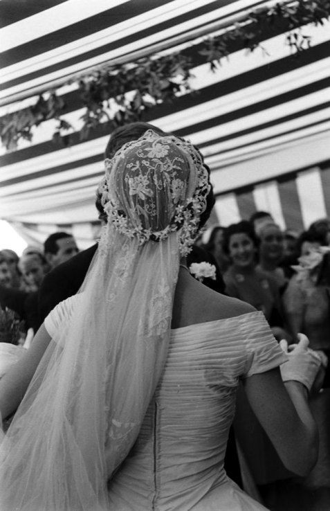 Jackie Kennedy Wedding Veil  Great picture of Jackie s wedding veil and back of her