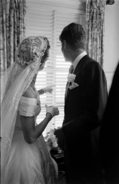 Jackie Kennedy Wedding Veil  JFK & Jackie Toni Frissell 1953