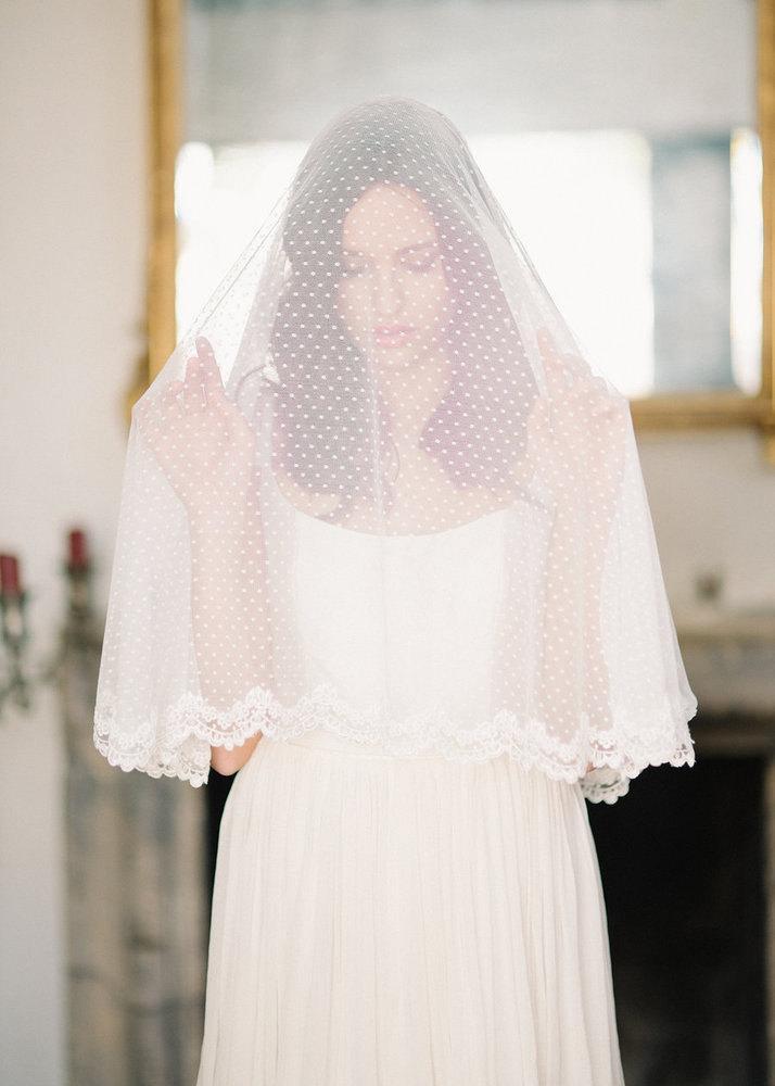 Lace Trim Wedding Veil  Swiss Dot Circle Drop Veil Lace Trim Swiss Dot Veil