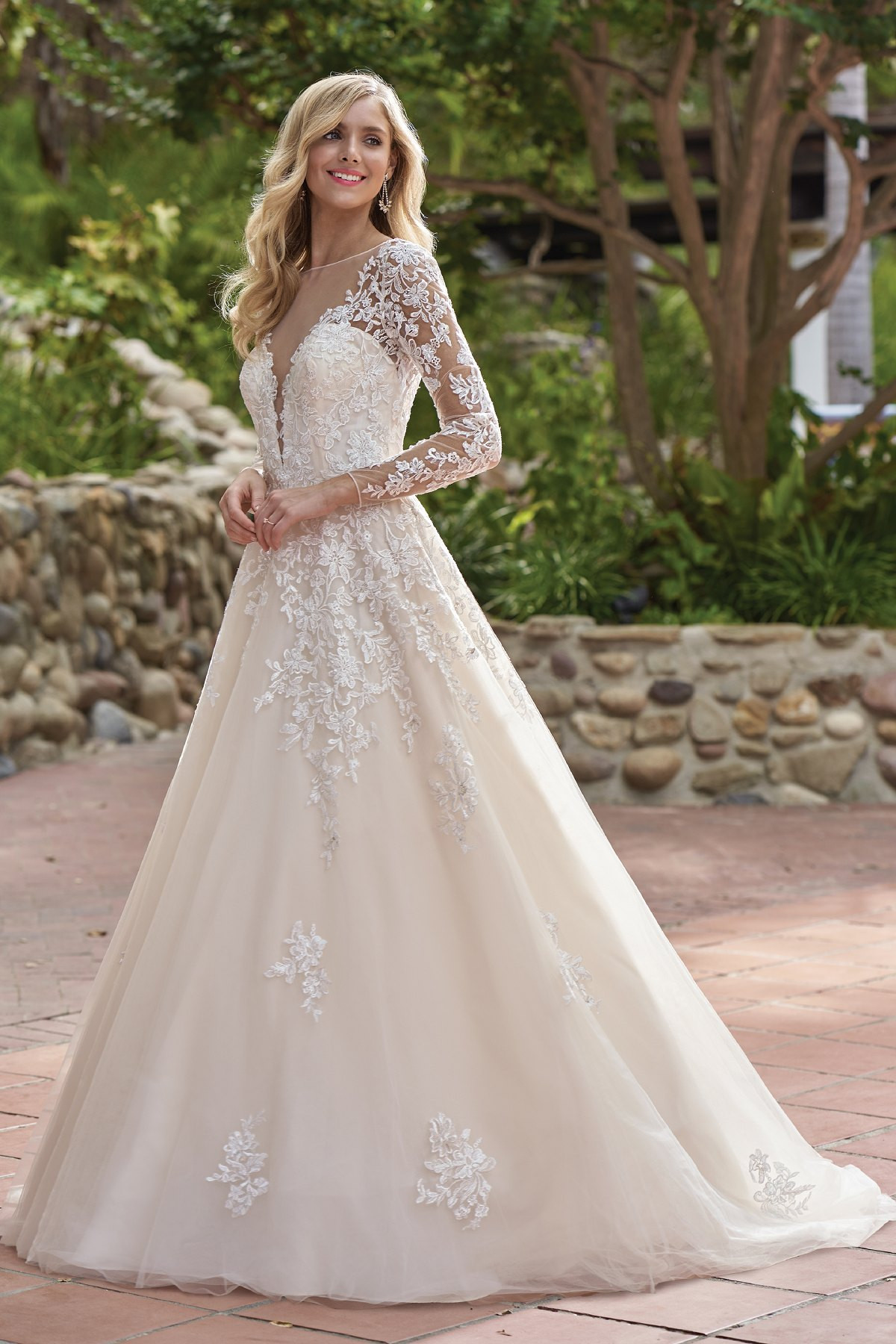 Lace Wedding Gowns  F Rustic Embroidered Lace Wedding Dress with