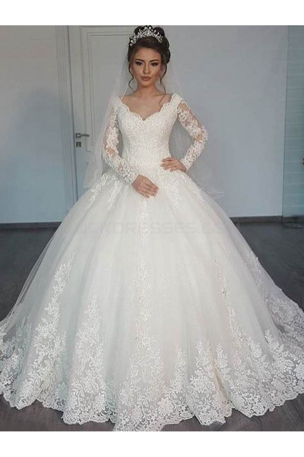 Lace Wedding Gowns  Bridal Ball Gown V Neck Lace Long Sleeves Wedding Dresses