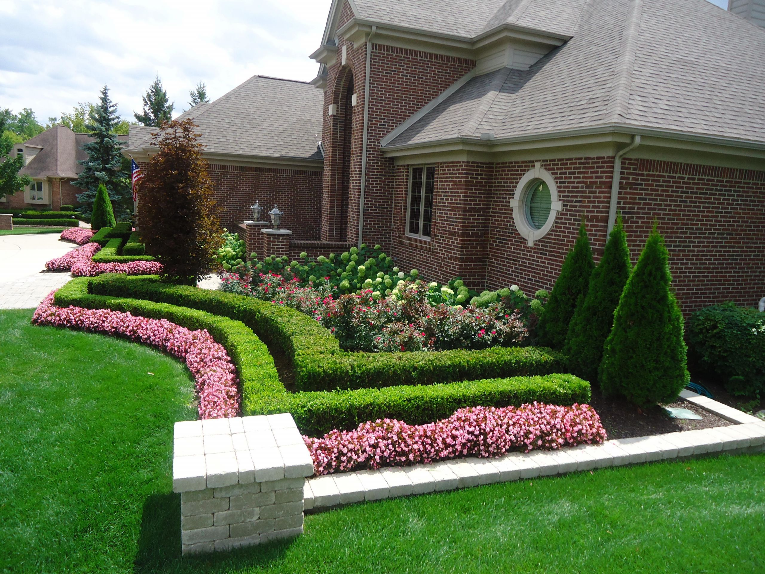 Landscape Design Front Yards  25 Beautiful Landscaping Front Yard Garden Ideas Savvy