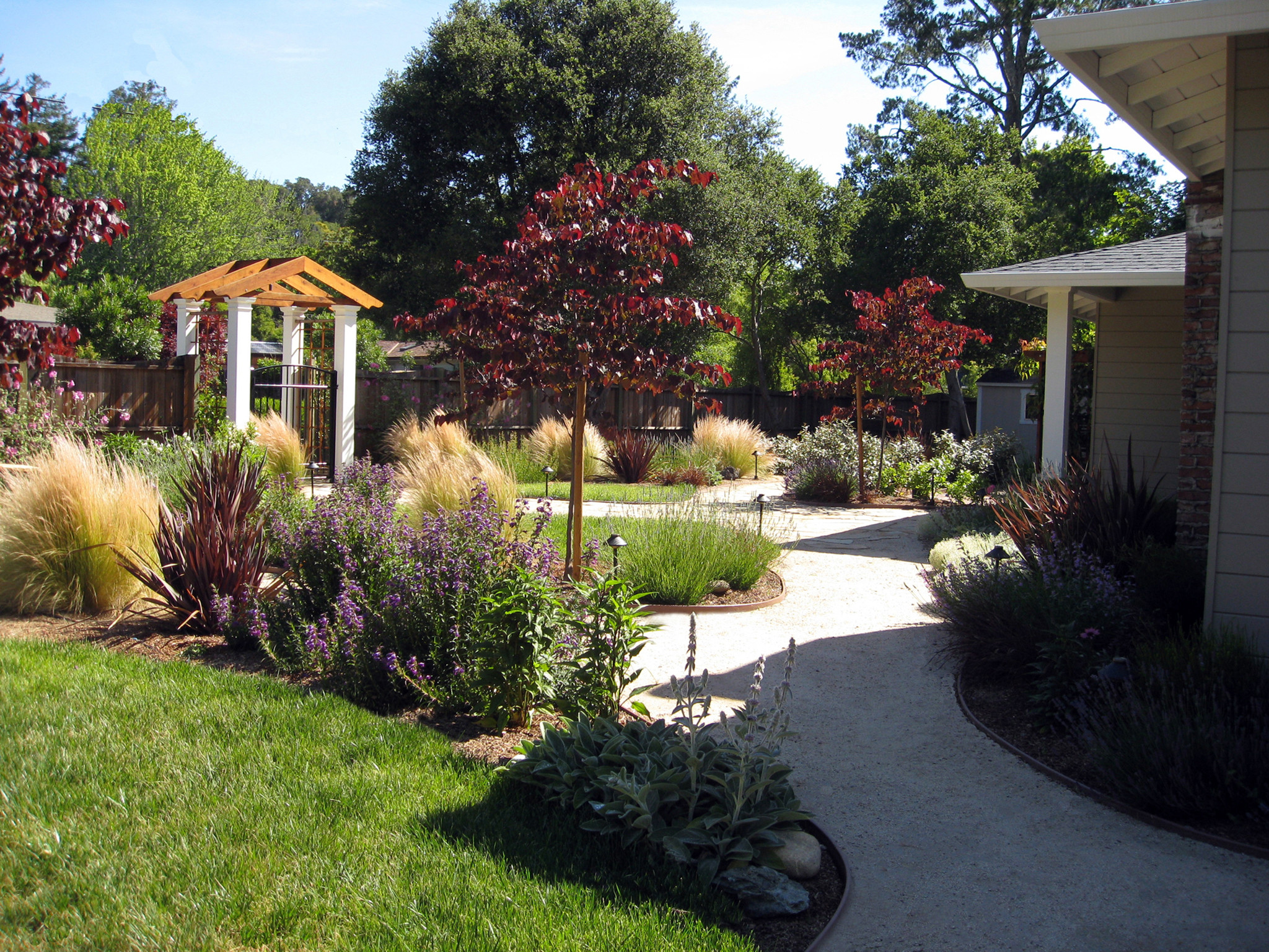 Landscape Design Front Yards  Some Ideas of Front Yard Landscaping for a Small Front