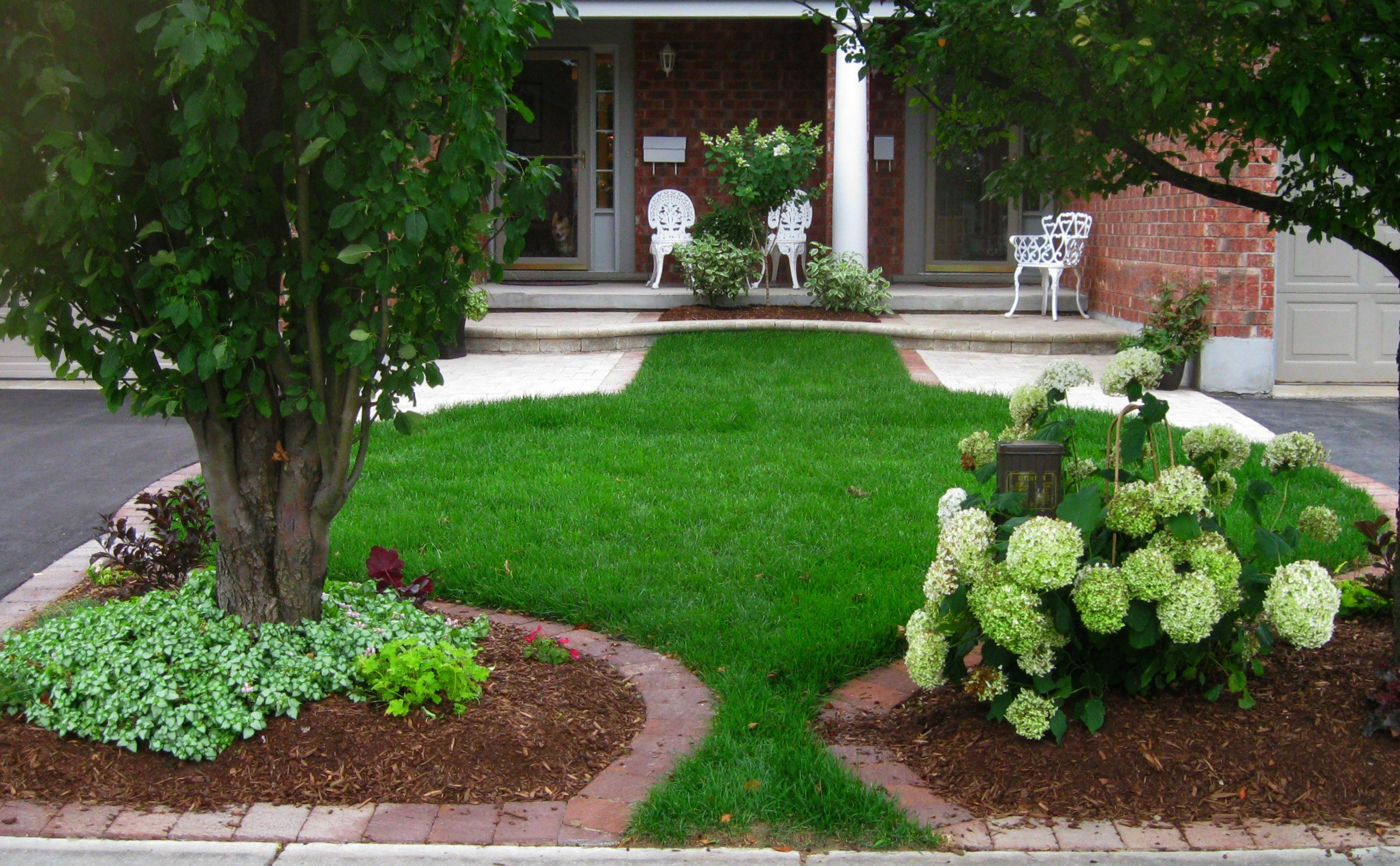 Landscape Designs For Small Yards  Creative Ways to Arranging Your Small Yard Landscaping