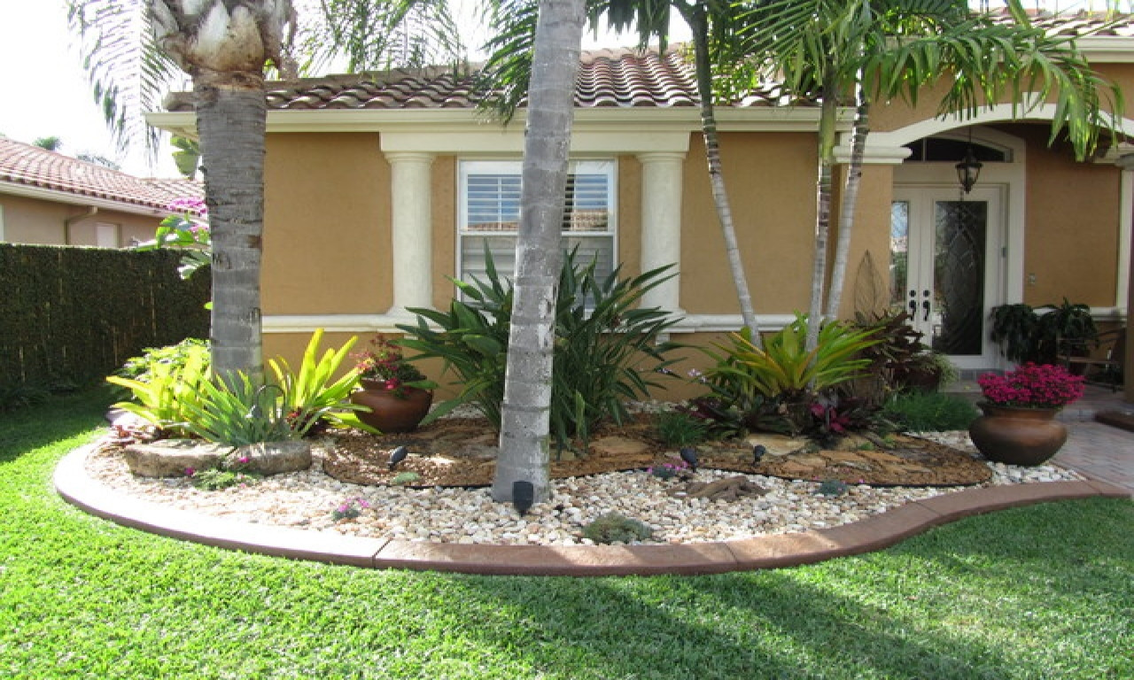 Landscape Designs For Small Yards  5 Stunning Landscaping Ideas For A Small Yard WorthvieW
