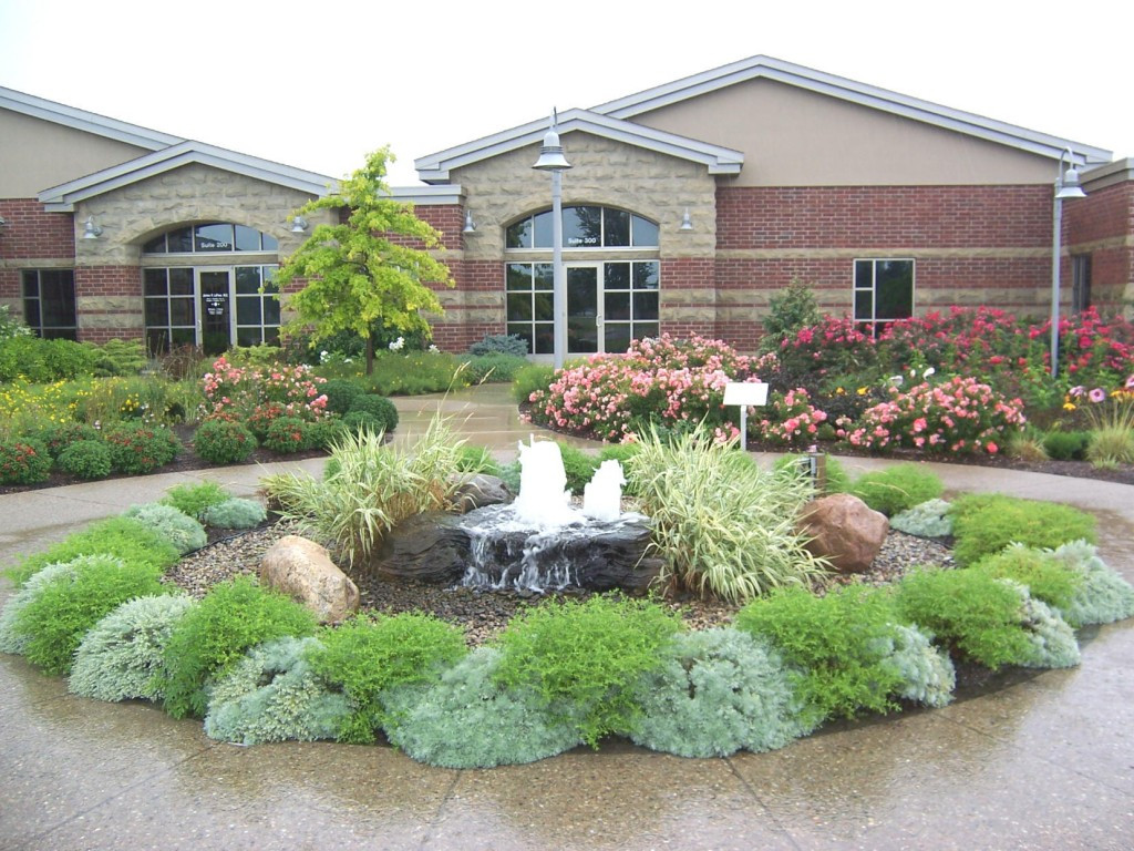 Landscape Ideas For Front Yard  Front Yard Landscape Plans You Must See – HomesFeed