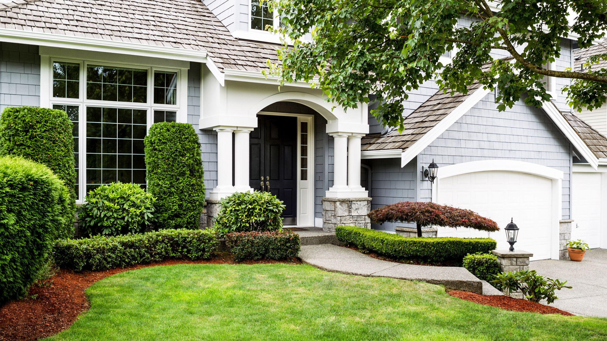 Landscape Ideas For Front Yard  Front Yard Landscaping Ideas to Try Now Before It's Too